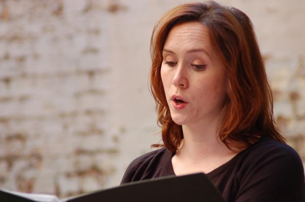 Orlanda singing