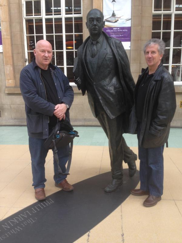 GB_Blake_Larkin statue_Hull