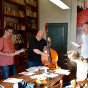 GB_trio rehearsing Synge