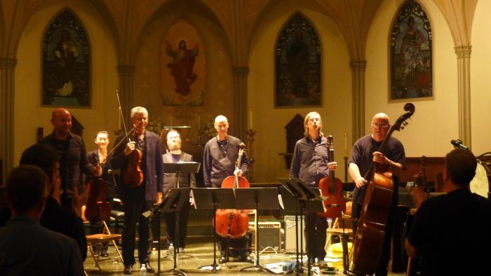 Ensemble bows_cathedral
